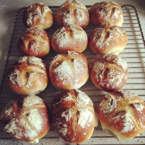 Paul Hollywood crusty dinner rolls
