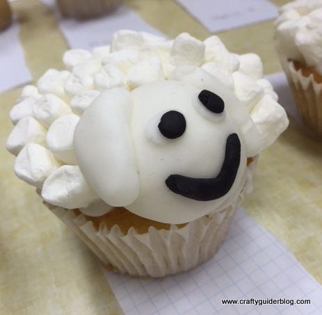 Chinese new year sheep cupcake 3 Guides