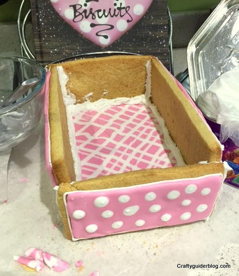 Great British Bake Off Biscuit Box construction