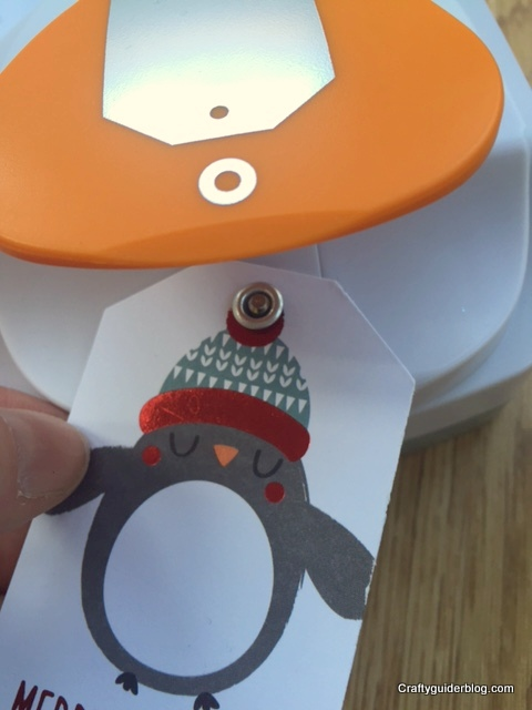 Fiskars 3-in-1 Tag Maker Applying Eyelet